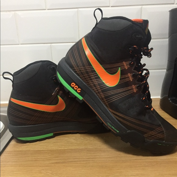 reputable site 8d1bc 113da Men s Nike Zoom Ashiko ACG Flywire boots-LIKE NEW.  M 5bfc7153035cf1683d9da1ba